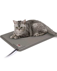 These come in handy if you own a kitten/puppy or an old cat or dog as they tend to feel colder. Also a pet suffering from arthritis can be relieved of the excess pain and stiffness of joints with the help of such warm pads. Image:cozywinters.com
