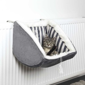 Radiator Cat beds though are not used in India but are very popular with cat owners in Northern Europe due to extreme winters and central heating being standard in most residential buildings.